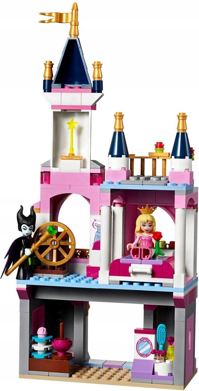 Bajkowy zamek Śpiącej Królewny