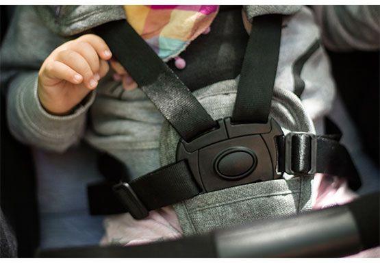 zapięcie dziecka w wózku