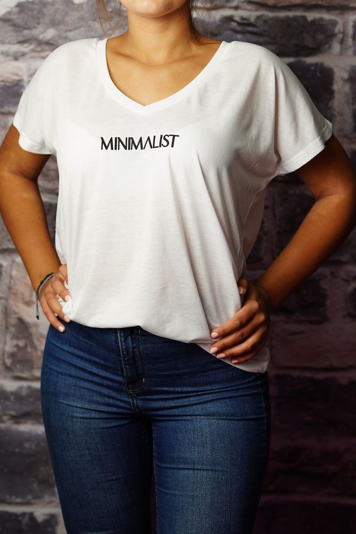 Axendor Koszulka biała damska T-shirt oversize z napisem MINIMALIST 1