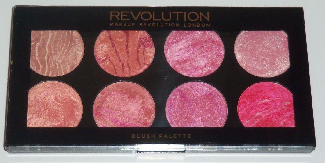 Makeup Revolution Ultra Blush Palette 8 Zestaw róży do policzków Blush Queen 13g 1