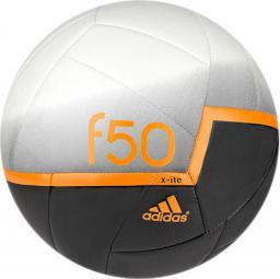 Adidas Piłka Nożna F50X-ITE biało-czarna pomaranczowe logo (01470)