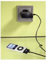 Ładowarka Hama Ładowarka do iPhona 3G/3G S4S oraz iPoda czarna (ATHAM093574)