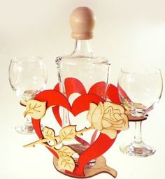 Karafka Serce na alkohol 0,5 l z lampkami do wina uniwersalny