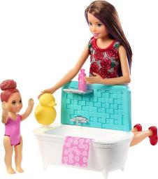 Barbie Skipper® Babysitters zestaw opiekunka z wanną  (FXH05)