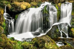 AC Fototapeta Wodospad w Lesie flizelina 130g 90x60
