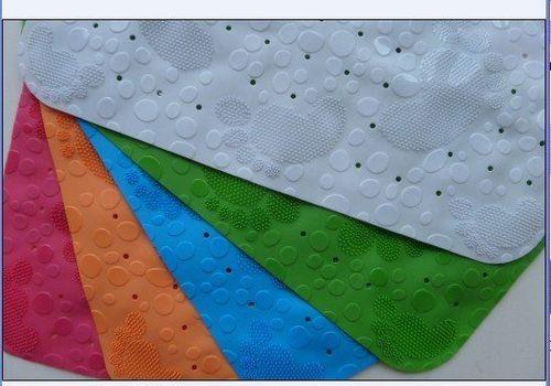 """PVC vonios kilimėlis """"Pėdos NEW"""" su siurbtukais """"Benedomo"""""""