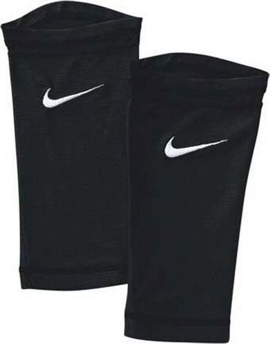 Nike Opaski do nagolenników Nike Pocketed Guerd Sleeve SE0115 001-S czarny M/L