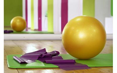 Pilates – co kupić? Co ze sobą zabrać? Jak ćwiczyć?