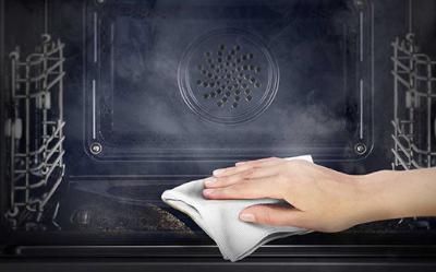 Jak wyczyścić piekarnik elektryczny? - Czego użyć?
